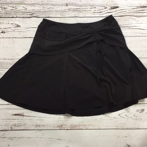 Athleta skirt with shorts, 8